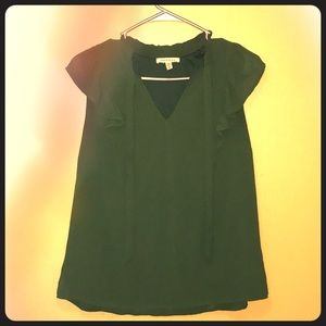 Green cap sleeve w/ tie neck blouse